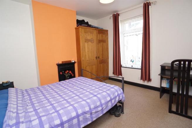 2 bedroom terraced house for sale in Netherfield Road