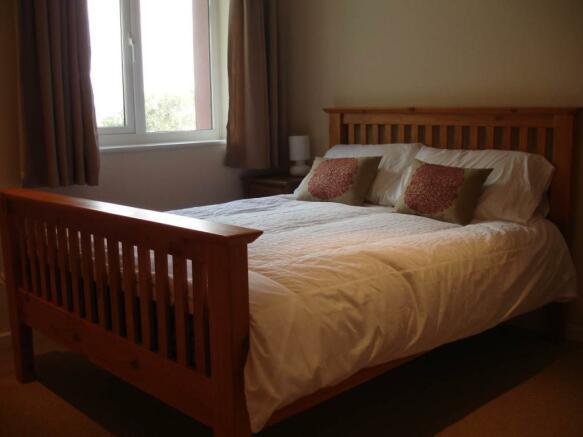 004 master bedroom