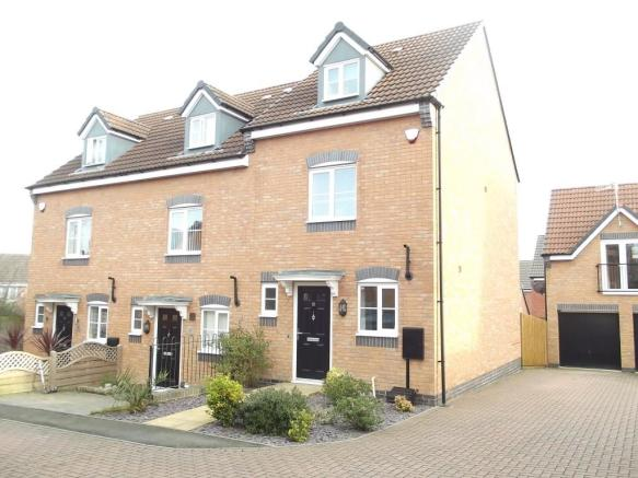 3 bedroom town house for sale in wessex drive giltbrook nottingham