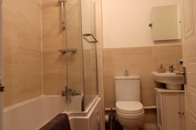 Modern fitted bathro