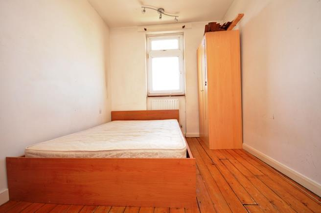 4 bedroom flat to rent in Manchester Road, London, E14, E14