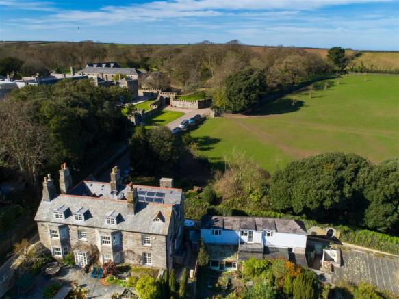 Position with Prideaux Place behind