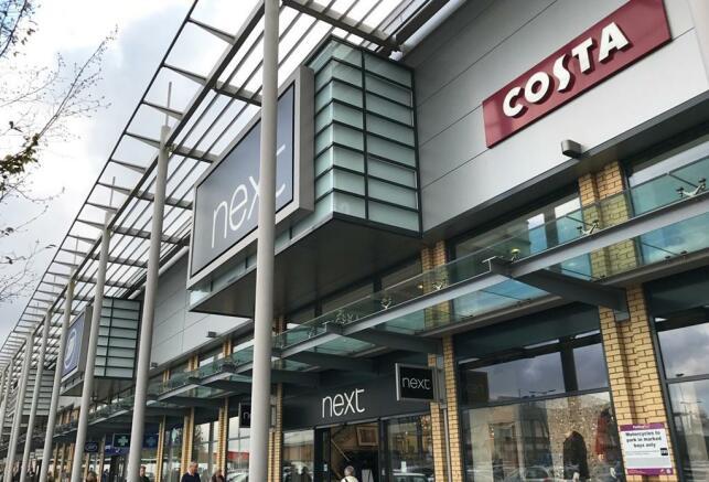 Shopping in Warwick