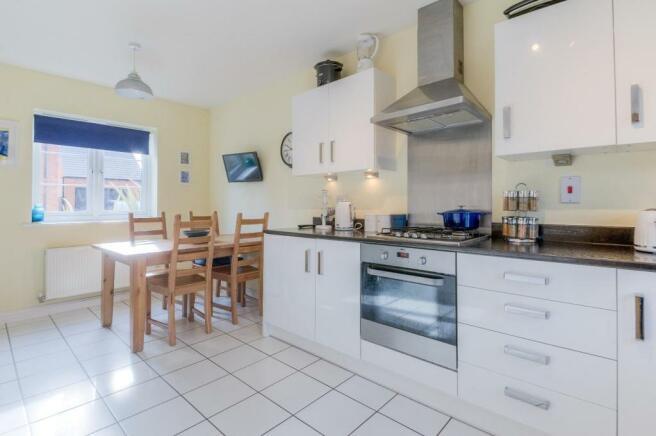 Kitchen-diner (2).jpg