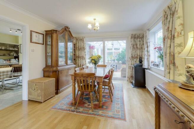 Sitting-dining room (2).jpg