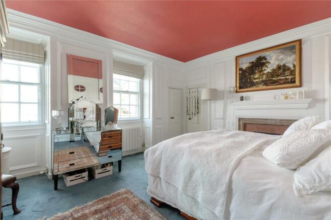 3 Bedroom Apartment For Sale In Blackie House Lawnmarket Edinburgh Eh1 Eh1
