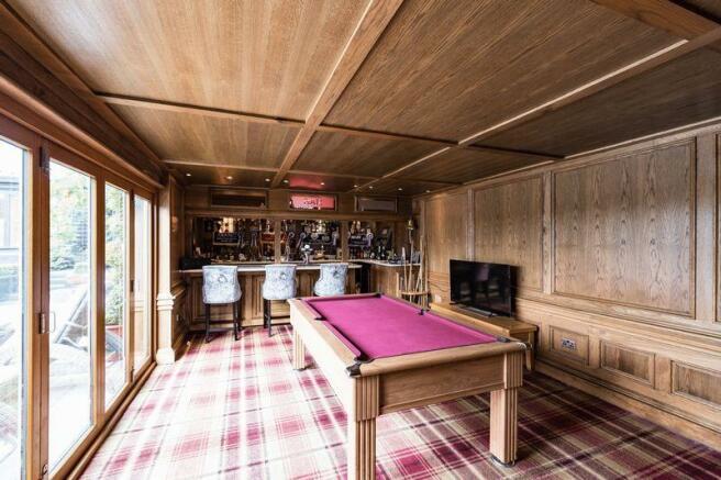 Games room/bar