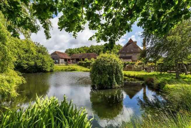 house. estate agency Alfold pond