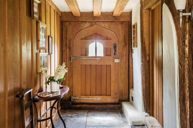 house. estate agency Alfold hallway
