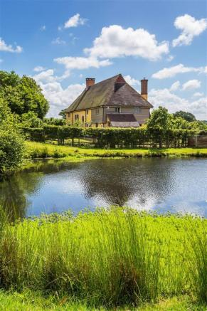 house. estate agency Alfold cottage and pond