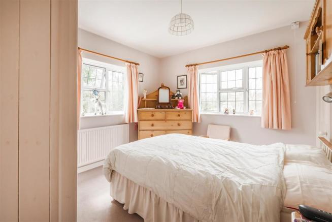 house. estate agents Dunsfold Bedroom