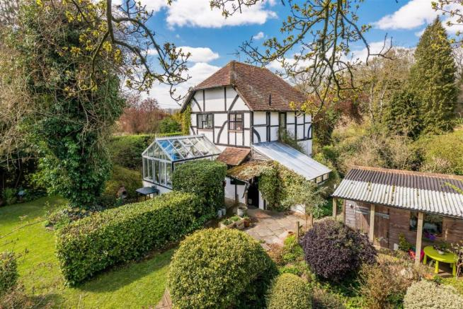 house. estate agents Dunsfold Cottage