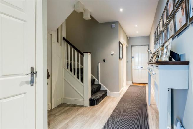 house. estate agency East Molesey hallway