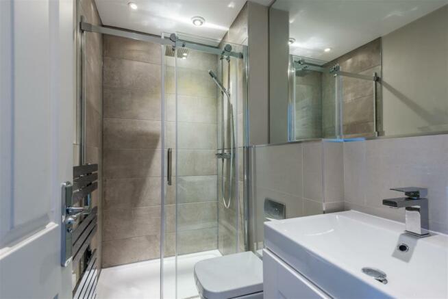 house. estate agency East Molesey shower room