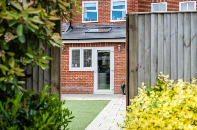 house. estate agency East Molesey garden