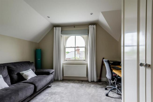 house. estate agency East Molesey second floor roo