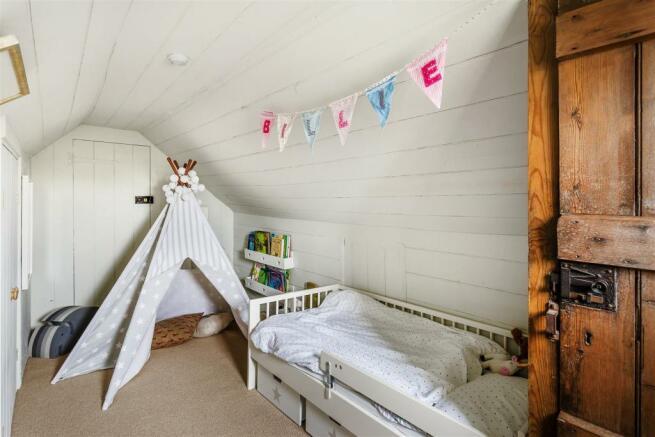 house. estate agency Milford bedroom