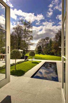 house. estate agency Dunsfold garden view