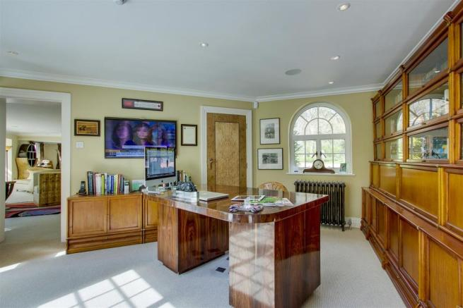 house. estate agency Dunsfold study