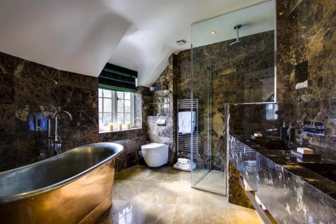 house. estate agency Dunsfold bathroom
