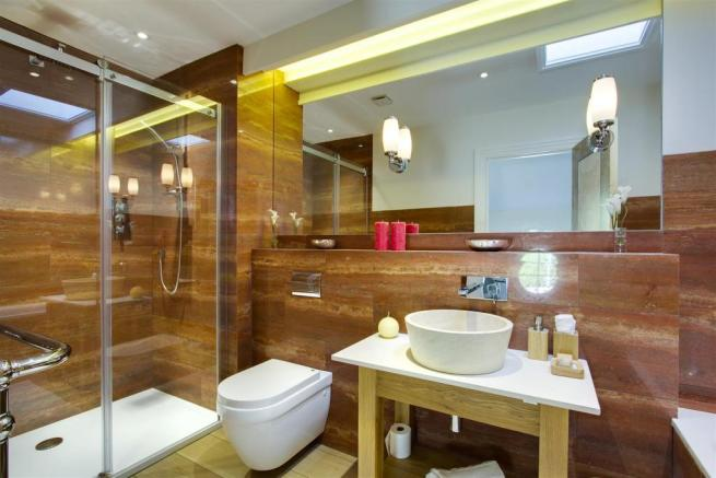 house. estate agency Dunsfold shower room