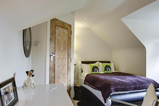 house. estate agency Dunsfold bedroom