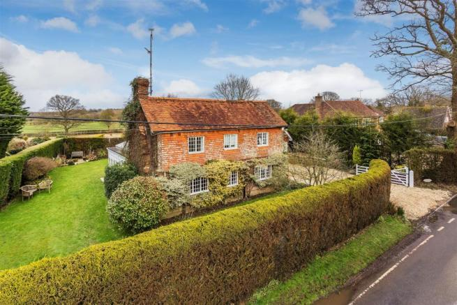house. estate agency Ellens Green Crowthorne