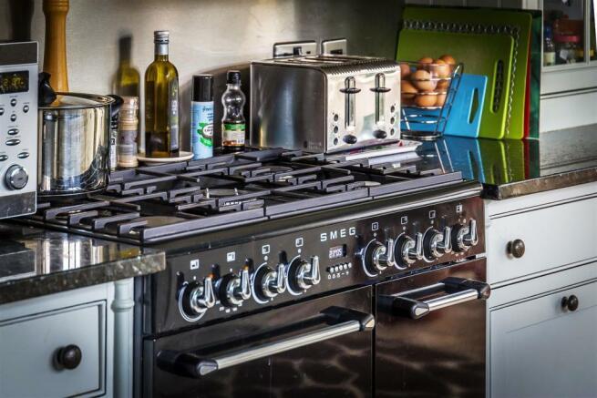 house. estate agency Ellens Green cooker