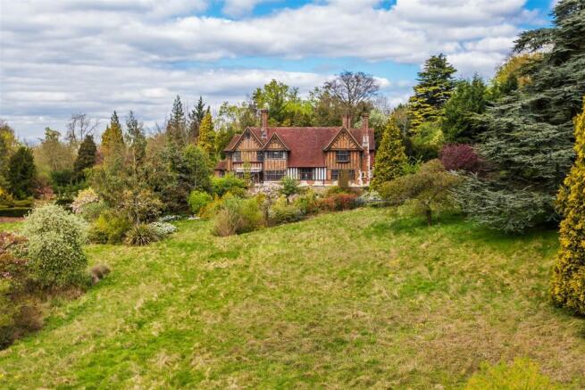 house. estate agency Leatherhead Oakwood Court