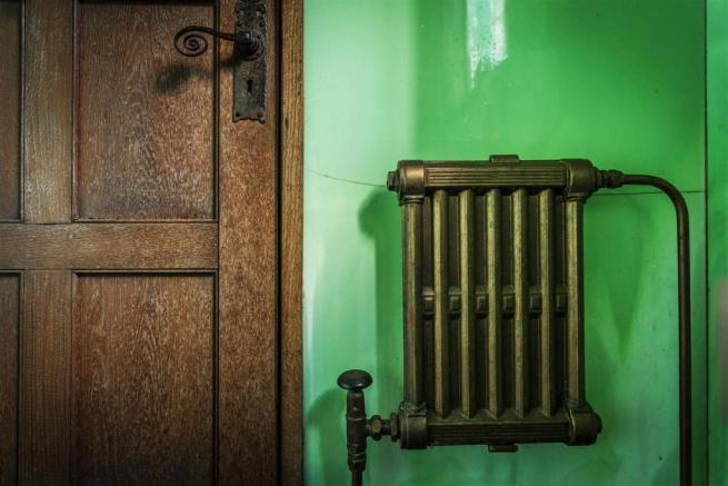 house. estate agency Leatherhead radiator