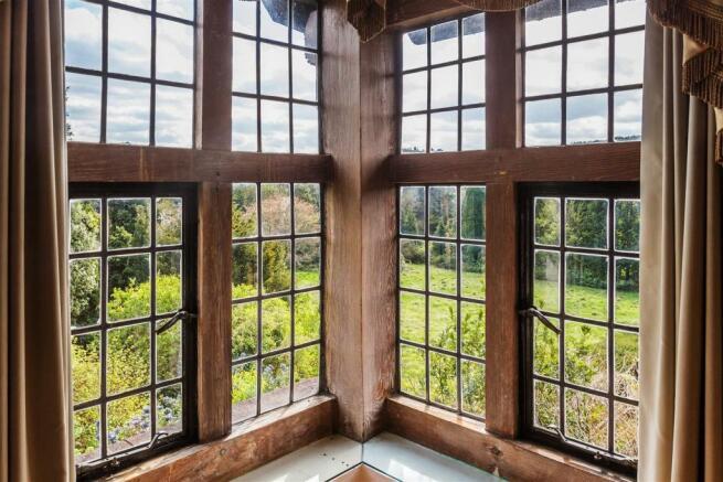 house. estate agency Leatherhead corner window