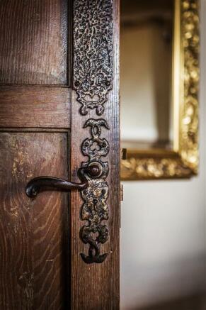 house. estate agency Leatherhead door handle