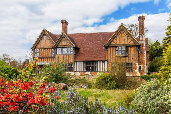 house. estate agency Leatherhead Givons Grove