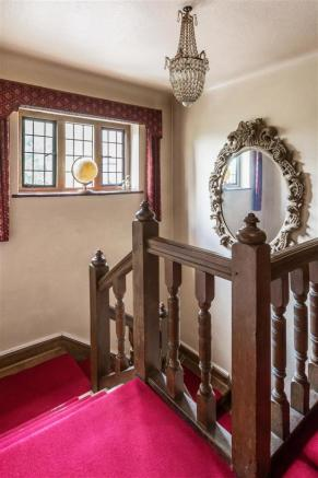 house. estate agency Leatherhead bannisters