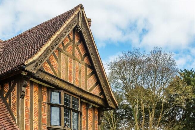 house. estate agency Leatherhea brickworkd