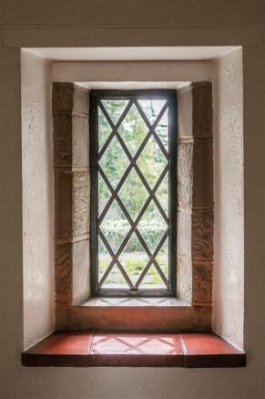 house. estate agency Leatherhead window detail