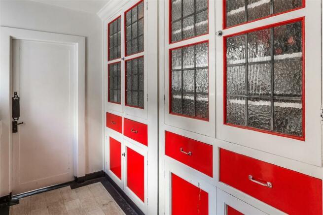 house. estate agency Leatherhead kitchen