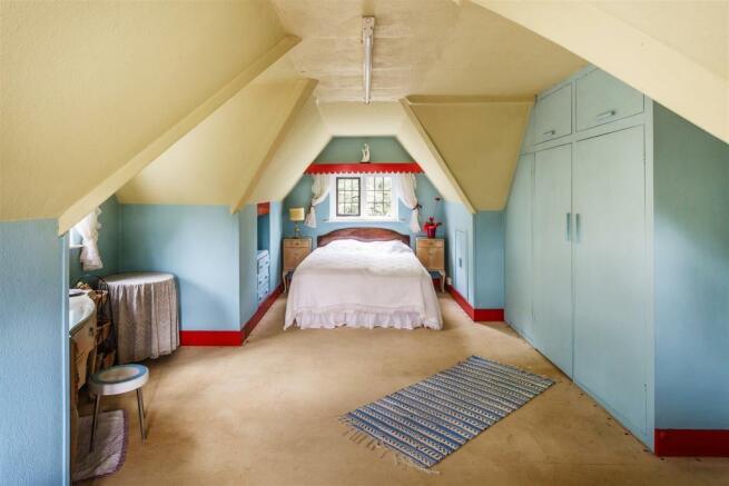 house. estate agency Leatherhead bedroom
