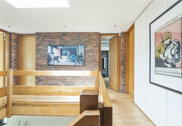 house. estate agency Esher 8 Lakeside Drive