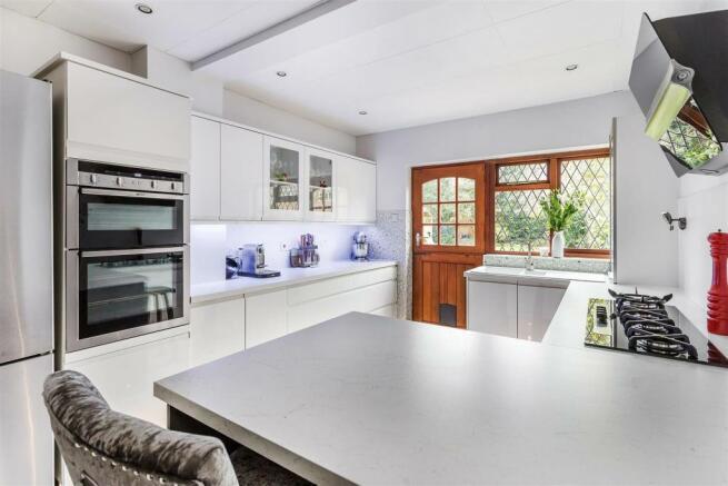 house. estate agency Herhsam 16 Charlton Avenue