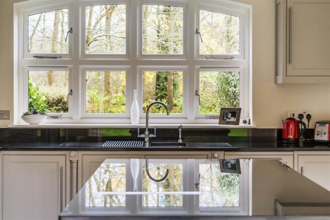 house estate agency Cranleigh Pittance Wood