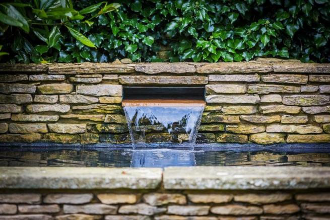 house. estate agency Bramley water feature