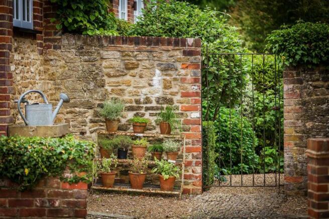 house. estate agency Bramley garden gate