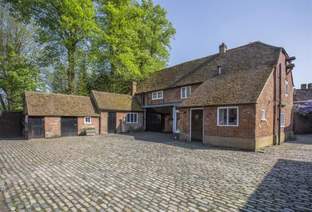 house. estate agency Ripley