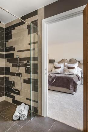 house. estate agency Thames Ditton bedroom