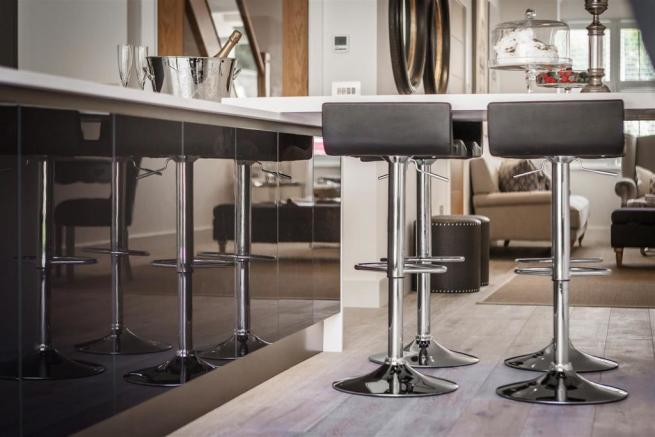 house. estate agency Thames Ditton bar stools