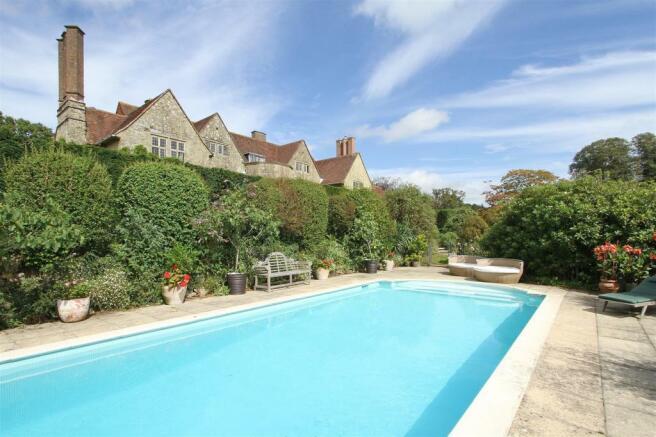 house. estate agency Thakeham swimming pool