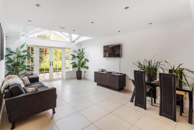 house. estate agency Weybridge Loxwood House