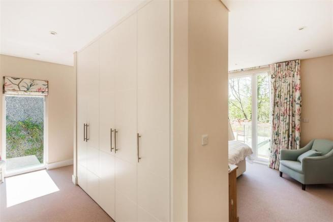 house. estate agency Guildford dressing area