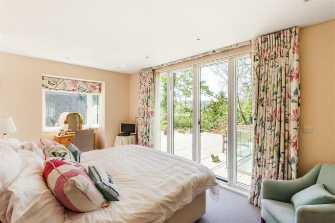 house. estate agency Guildford bedroom